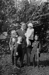 Igor Stravinsky and his four children – Morges 1915